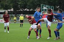 Z fotbalového utkání krajského přeboru Bohemia Poděbrady - Nespeky (4:4, na penalty 8:7)