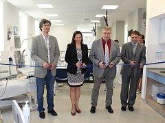 Z loňského otevírání dialyzačního střediska v Nymburku