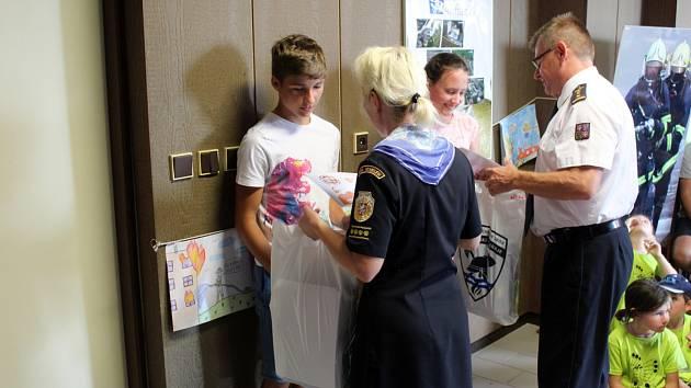 Vyhodnocení soutěže se konalo v sídle hasičů v Nymburce.