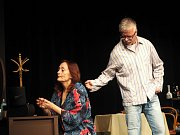 Premiéra komedie v Divadle Na Kovárně se vydařila.