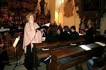 Při koncertu hradecké filharmonie uspořádali pořadatelé sbírku na zatopenou obec Troubky na Moravě