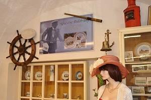 Výstava ve Vinotéce U Kostela.