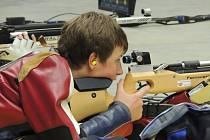 ŠKODA. Poděbradskému střelci Michalu Navrátilovi chybělo na Mistrovství republiky šest desetin na medaili