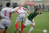 Z fotbalového střetnutí I.B třídy Sadská - Dolní Bousov
