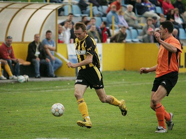 Z utkání Litol - Koloveč (1:1).