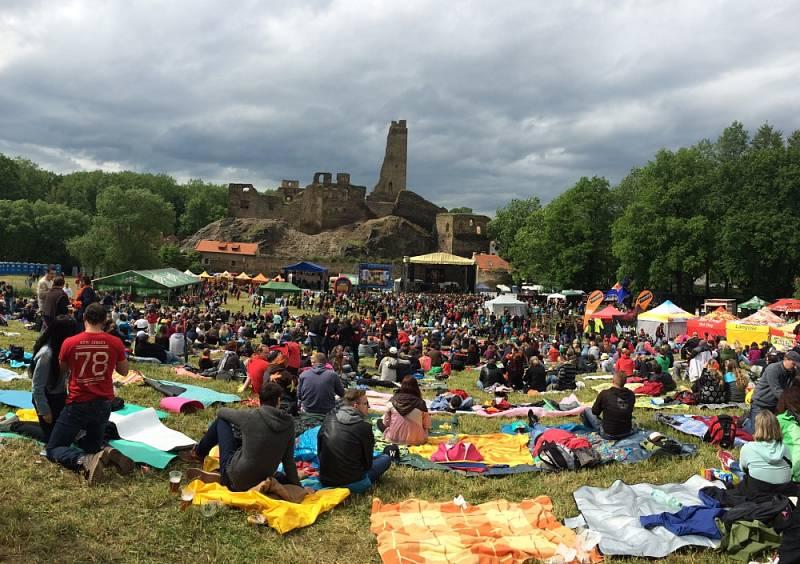 19.ročník open air festivalu v romantickém místě podhradí hradu Okoř se tento rok uskuteční na začátku června 3.6. už od 11.00 hodin.