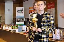 VÍTĚZ. Čtvrtý ročník turnaje v rapid šachu O pohár starosty města Nymburk vyhrál Daniel Kožúšek