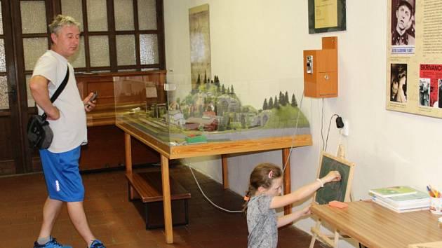 O víkendu navštívily Vlastivědné muzeum v Nymburce před plánovanou rekonstrukcí desítky lidí.