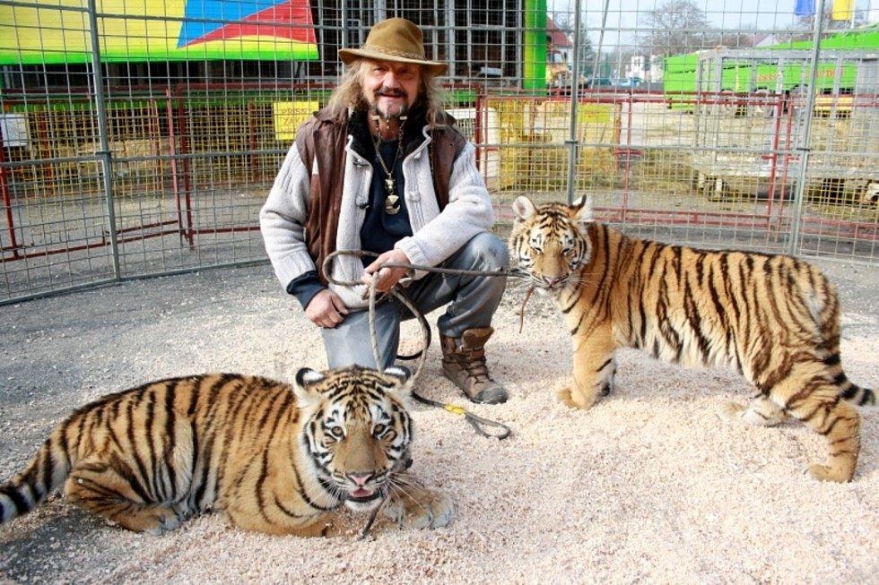 Jaromír Joo, cirkusový principál, který miloval zvířata, zemřel v sobotu 20. února 2021 na covid - 19.