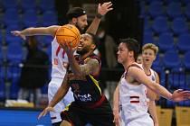 Utkání basketbalové ligy mistrů mezi Nymburkem a Keravnosem se v nymburském Sportovním centru hrálo ve středu 18. listopadu 2020.