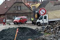 Díky dobrému počasí se rozbíhají stavební práce na Rejdišti.