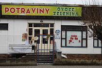 Po uzavření prodejny v Budiměřicích vozí obec seniory za nákupem do sousedních Rašovic.
