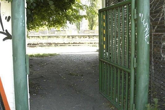 První případ přepadení se stal u poděbradského nádraží.