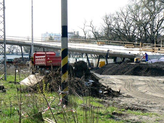 Aktuální situace na stavbě nadjezdu v Poděbradech