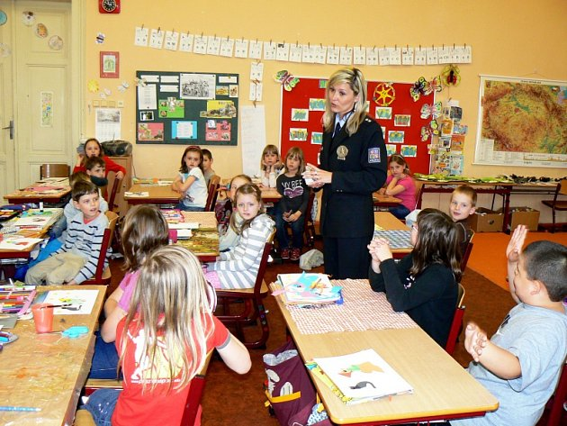 Policejní mluvčí Petra Potočná ve druhých třídách Základní školy Tyršova