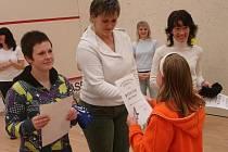 Z dámského squashového turnaje v Sadské.