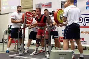 SILOVÝ TROJBOJAŘ KAREL RUSO se v Lucembursku pokoušel překonat svůj světový rekord, ten mu ale odolal
