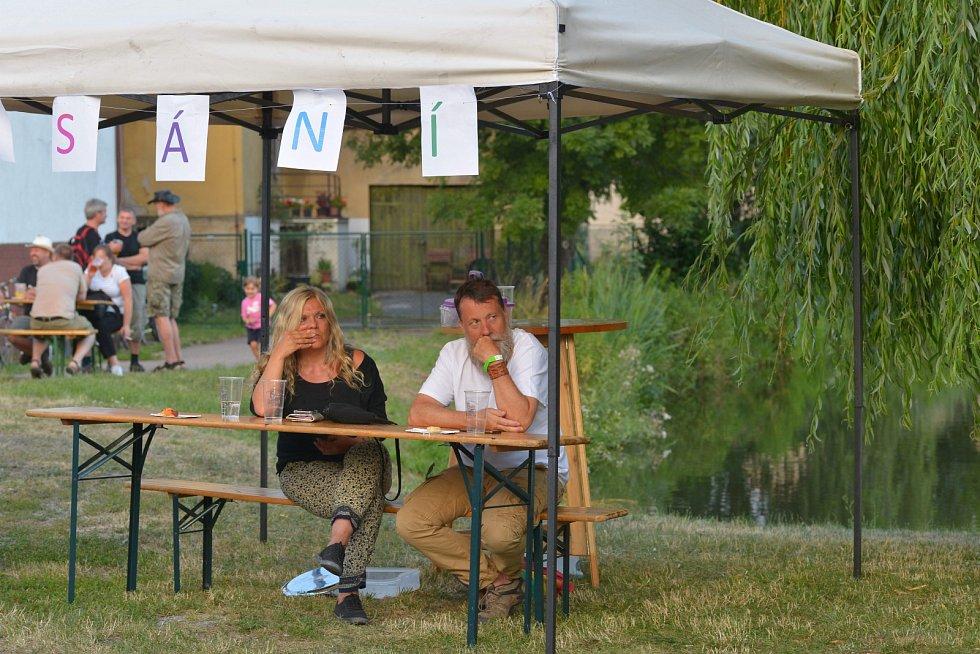 Kostelní Lhota hostila folkový festival.