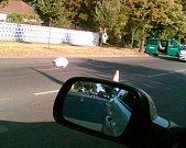Motorkář se střetl s policejním vozidlem