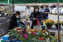 Farmářské trhy na náměstí Přemyslovců.