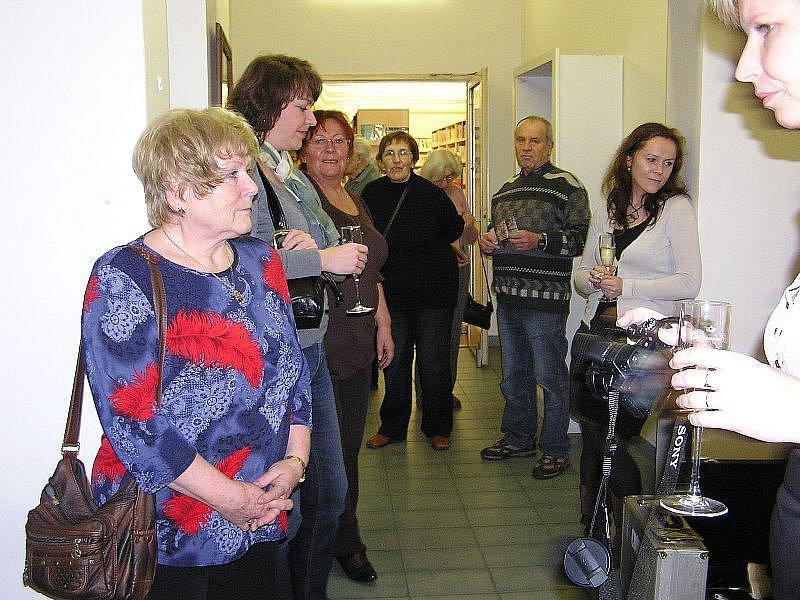 Městská knihovna Nymburk oslavila 115. výročí částečně v novém a s osobnostmi.