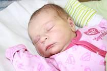 NATÁLIE JE Z PODĚBRAD. Natálie Havlíčková se narodila mamince Alžbětě a tátovi Martinovi 16. února 2015 ve 12.02 hodin. Vážila 3 300 g a měřila 49 cm. Celá rodinka je doma v Poděbradech.