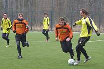 Z fotbalového utkání kolínského zimního turnaje Poděbrady - Polaban Nymburk (1:2)