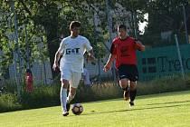 Z fotbalového utkání okresního přeboru Kostomlaty - Bohemia Poděbrady B (3:0)