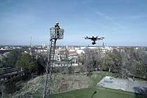Nymburk je prvním městem v republice, kde dobrovolní hasiči ve spolupráci s firmou Aerovision testují drony právě pro potřeby hasičů na ostrých výjezdech.