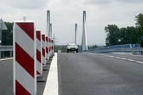 Most na obchvatu Nymburka.