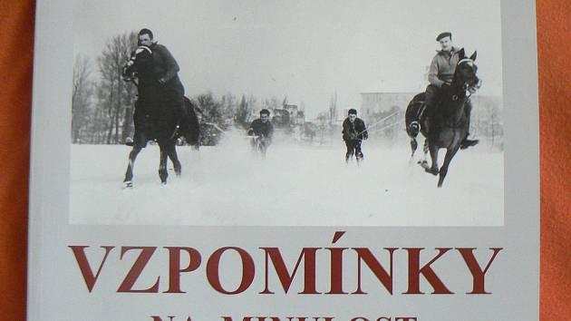 Knihu Vzpomínky na minulost lze pořídit v Městské knihovně na Jiřího náměstí.