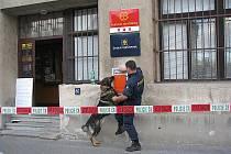 Ve čtvrtek odpoledne byla sadská pošta uzavřena z důvodu nahlášení výbušniny v objektu.