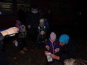 Světýlková cesta se konala v okolí Domu dětí a mládeže Symfonie.