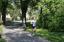 Běh na okruhu u Obecního domu v Nymburce