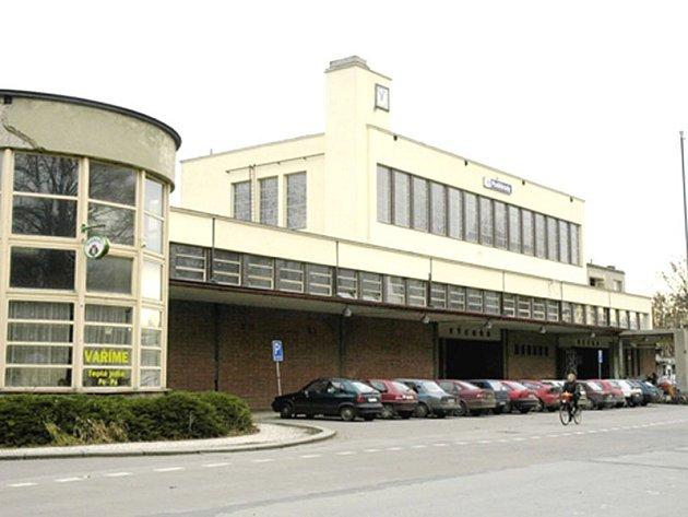 Budova poděbradského nádraží.