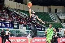 Z basketbalového utkání Ligy mistrů Bursa - Nymburk (93:96 pp)