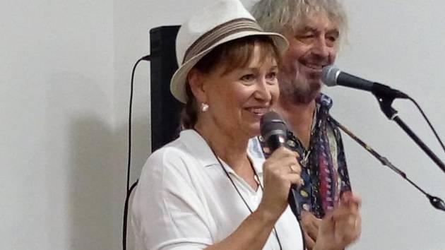 Koncert Petry Černocké a Jiřího Pracného v Dymokurech.