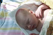 DENISKA JE Z KOSTELNÍ LHOTY. Denisa KUBÁTOVÁ bude mít narozeninovou oslavu vždy 26. dubna a počítat je bude od roku 2015, kdy přišla na svět v 18.58 hodin. Vážila 3 470 g a měřila 50 cm. Je prvním miminkem maminky Pavly a táty Miloslava.