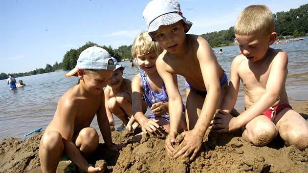 Děti si užívali druhou polovinu prázdnin u vody.