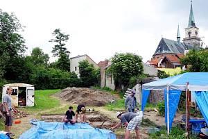Archeologové na Rejdišti v Nymburce.