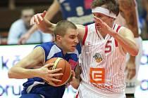 Z basketbalového utkání čtvrtfinále play off Nymburk - USK Praha (85:61)