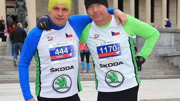 MILOSLAV KOZÁK A PAVEL NOVOTNÝ už běželi na mnoha místech světa. Naposledy si členové SKP Nymburk vyzkoušeli maraton v Severní Americe