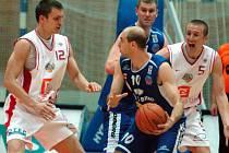 Z třetího utkání čtvrtfinále play off Nymburk - Brno (116:58).