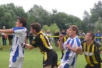 Z divizního fotbalového utkání Litol - Strakonice (3:1)