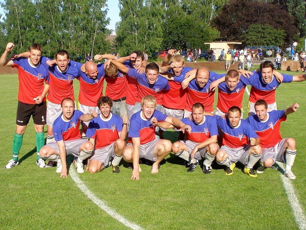 Sezona 2010 - 2011 byla pro fotbalisty Městce Králové úspěšná. Tým postoupil z okresního přeboru