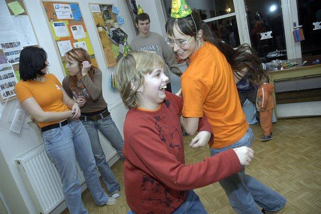 Děti si v Centru pro všechny užily Silvestra nanečisto.