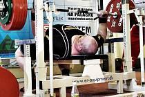 Milan Špingl zdolal na MČR v benči 302,5 kg.