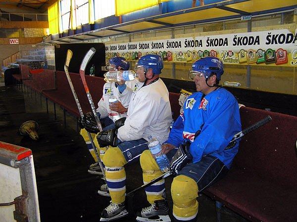 Hokejisté Nymburka se chystají na další druholigovou sezonu. V pondělí poprvé vyjeli na led.