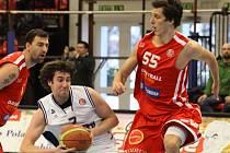 Tomáš Pomikálek hraje s číslem 55