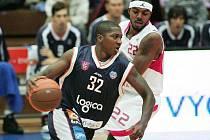 Z basketbalového utkání Mattoni NBL Nymburk - Děčín (106:85)